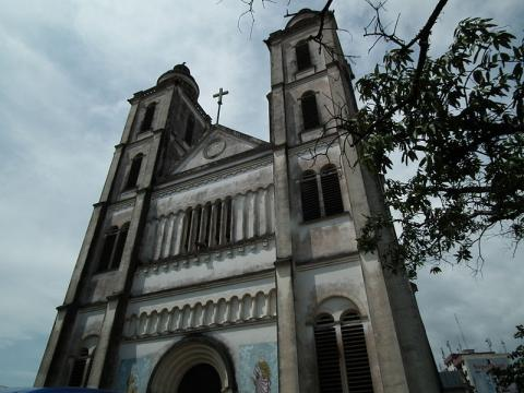 catedral-douala.JPG